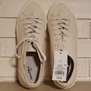 Womens Sneakers Size 11 Universal Thread
